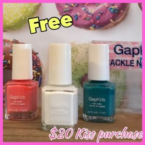 🌸Free 3 piece crackle kids polish with $20 kids